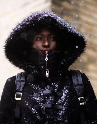 coat tumblr nyfw 2017 fashion week 2017 fashion week streetstyle duffle coat black coat winter outfits winter coat winter look
