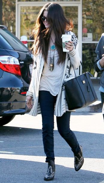 cardigan selena gomez leather bag