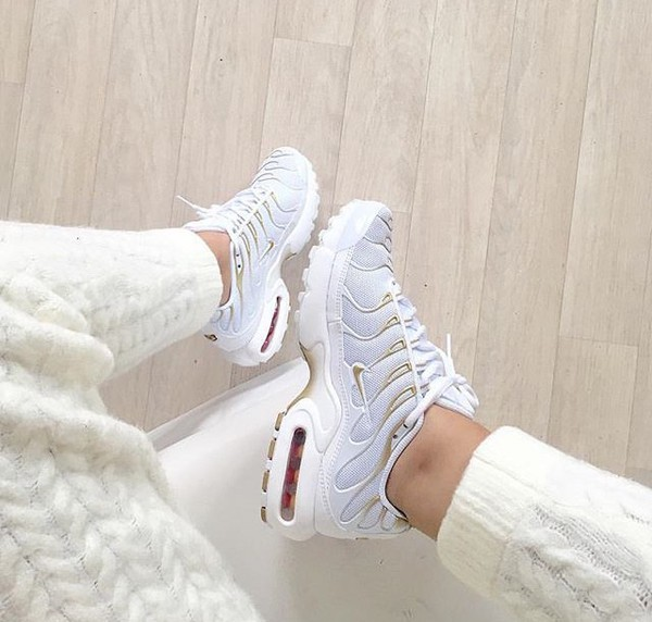 shoes nike air max grey sneakers low top sneakers white nike shoes airmax 95 plus gold air max