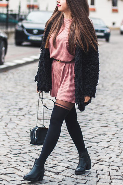 kolorowa dusza blogger dress bag tights belt shoes fall outfits winter outfits fuzzy cardigan pink dress ankle boots boots