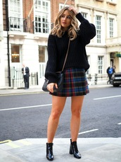 skirt,tumblr,mini skirt,pleated,pleated skirt,plaid skirt,tartan skirt,tartan,sweater,black sweater,knit,knitwear,knitted sweater,sweater weather,boots,black boots,ankle boots