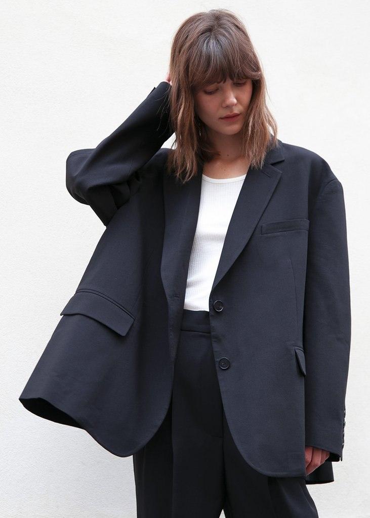 Bea Boxy Blazer in Black