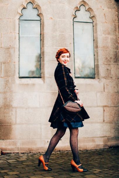 the clothes blogger coat dress tights shoes bag