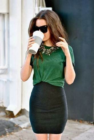 shirt skirt green necklace sunglasses casual dressy t-shirt fashion bodycon skirt jewels green shirt tucked in black skirt pintrest high waisted skirt classy black pencil skirt green top baggy top dress emerald green pencil skirt top black comfy statement necklace casual dressy clothes blogger green t-shirt short pencil skirt