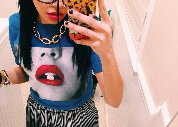 blue shirt lips pill graphic t-shirt graphic crop tops