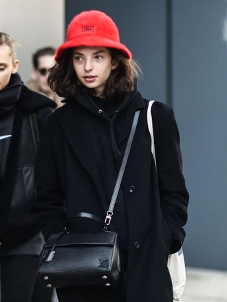 hat red hat nyfw 2017 fashion week 2017 fashion week streetstyle coat black coat hoodie black hoodie bag black bag