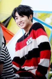 sweater,bts,jungkook,jeonjungkook,bangtanboys,bangtan boys,bangtan sonyeondumb,jeon jungkook,war of hormone,red,black,white