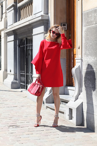 from brussels with love blogger dress shoes bag
