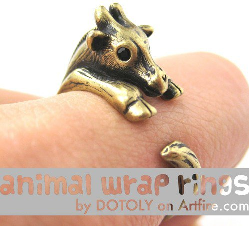 Baby Giraffe Animal Wrap Around Hug Ring in Brass - Sizes 4 to 9
