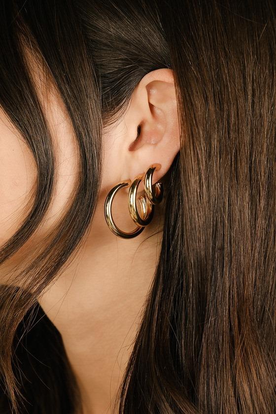 Intuitive Gold Mini Hoop Earrings Set