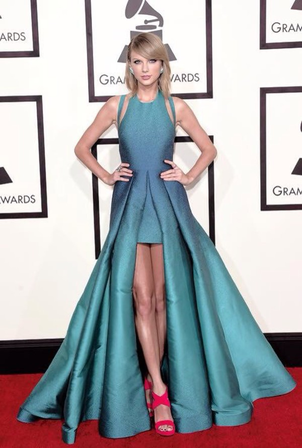 dress ellie saab taylor swift dress blue dress sleeveless dress short front long back pink heels taylor swift maxi dress blonde hair shoes