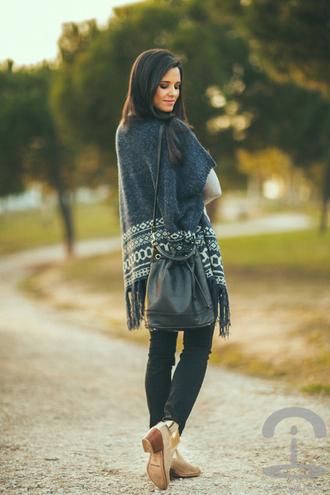blogger bag fringes fall outfits crimenes de la moda knitwear