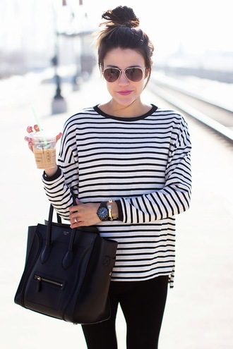t-shirt pants shoes bag jewels tote bag hair accessory shirt stripes black and white