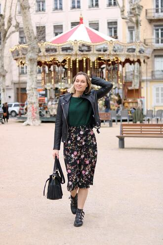 le blog d'artlex blogger jacket shoes ankle boots black leather jacket green sweater spring outfits