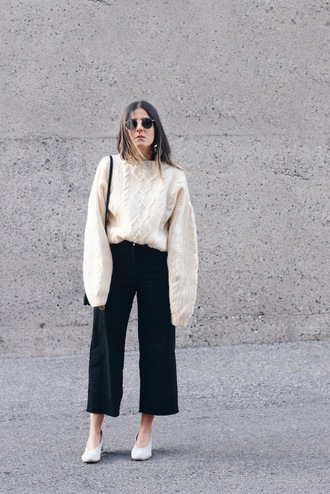 elif filyos blogger sweater jeans cropped jeans off-white sweater
