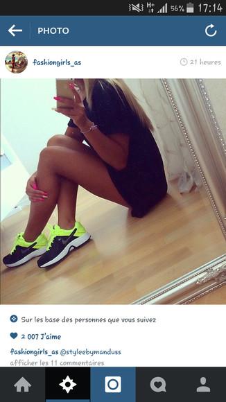 nike running shoes yellow basket