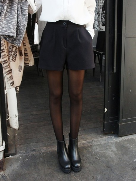 shoes black shorts puffy cute klassisk leather boots boots black shorts black and white black tights little black boots white blouse platform shoes platform shoes black shoes black boots black platforms black platform boot platform boots pants tumblr black shorts blouse tights blackboots legs