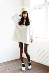 sweater,oversized sweater,oversized,white sweater,white,white top,cute,kawaii,cute sweater,girly,ulzzang,korean fashion,korean style,sweater dress,white dress,korean dress,big sweaters,casual,simple et chic,a simple v