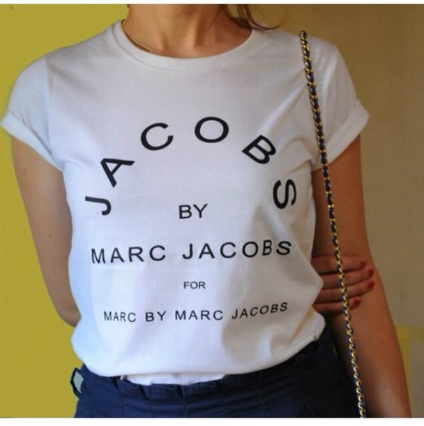 marc jacobs marc by marc jacobs t-shirt t-shirt vogue white quote on it t-shirt marc jacobs shirt marc jacobs tshirt shirt blouse marc jabobs top jacobs black and white black and white style t-shirt