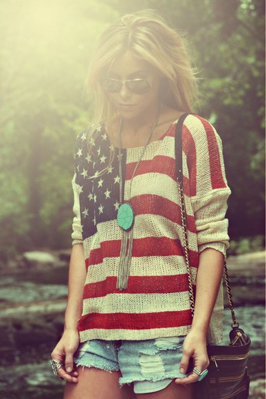 america american american flag stars and stripes sweater shorts 'merica printed sweater jeans jean shorts light wash sunglasses aviator sunglasses blonde hair