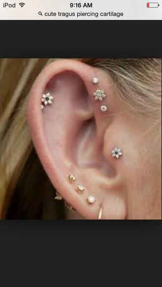 earing hair accessories