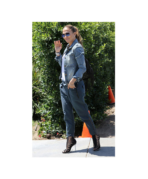 jennifer lopez pants shoes sunglasses