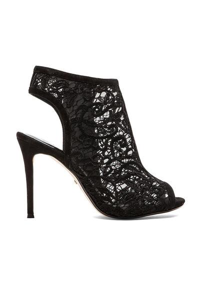 RAYE heel black