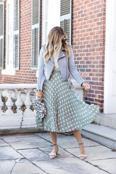 suburban faux-pas blogger jacket t-shirt skirt sunglasses jewels bag shoes pleated skirt midi skirt spring outfits sandals