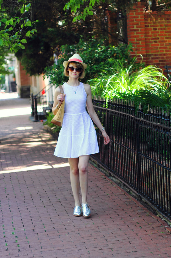 district of chic hat sunglasses jewels dress
