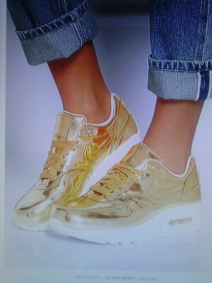 shoes gold shoes metallic shoes nike nike running shoes nike air