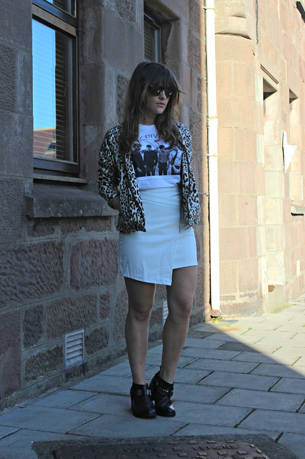 the little magpie shoes t-shirt skirt