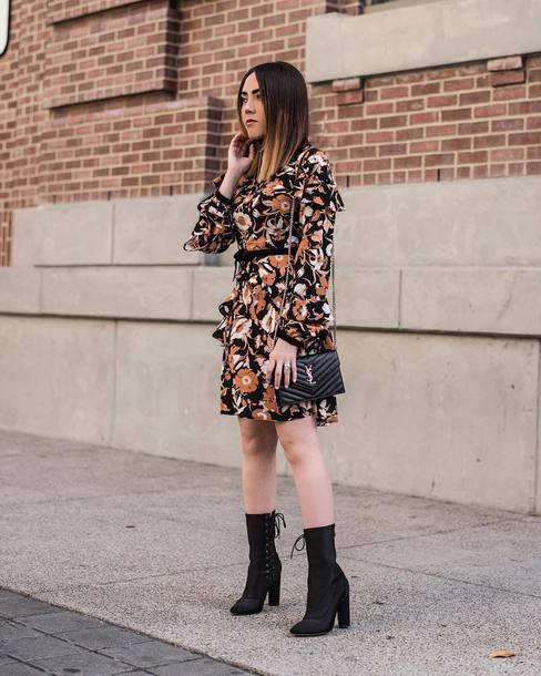 dress tumblr mini dress floral floral dress long sleeves long sleeve dress boots black boots fall outfits fall dress bag