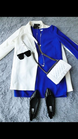 black spikes style blue dress bodycon dress whole oufit white coat classy casual sandals flats purse chain gold sunglasses necklace
