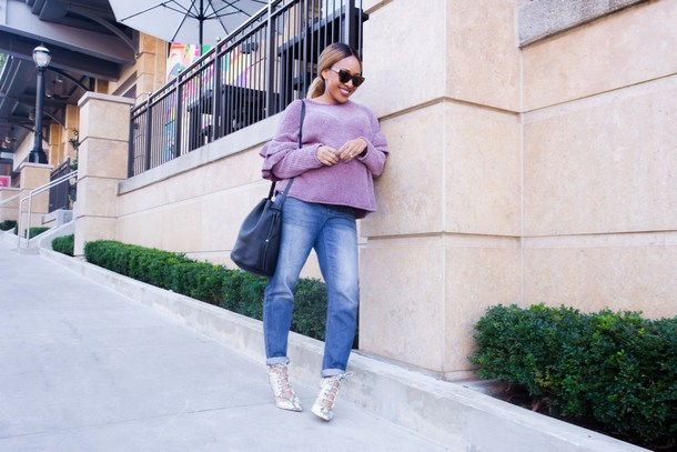 mattieologie blogger sweater jeans shoes bag sunglasses jewels purple sweater bucket bag winter outfits fall outfits