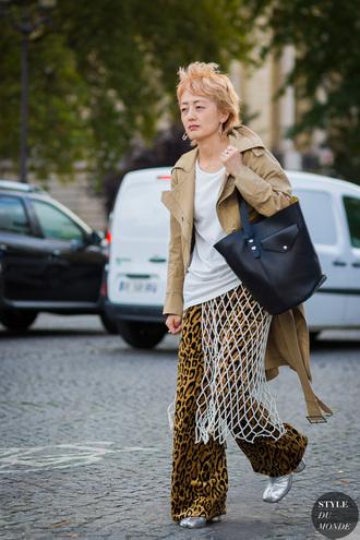 styledumonde blogger pants jewels bag coat shoes skirt t-shirt wide-leg pants trench coat handbag black bag