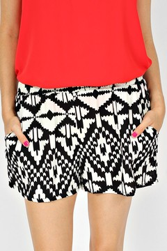 PINK BOW TOP WITH SHORTS on The Hunt
