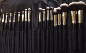 make-up black vegan lot girl brush girly lovely cutie black and white postbad accessories summer cool beautiful house furniture pencils makeup brushes eye makeup the material girl