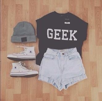 shirt cool black shirt hipster shorts hair accessory