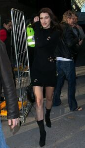 dress,sweater,sweater dress,bella hadid,boots,black dress,fall dress,fall outfits,streetstyle,model off-duty