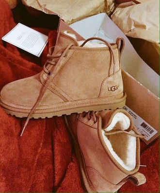 shoes ugg boots boots ugg austrailia christmas clothes boot beige brown winter outfits fall outfits cute love tumblr laces low boots booties cool white white girl girl women