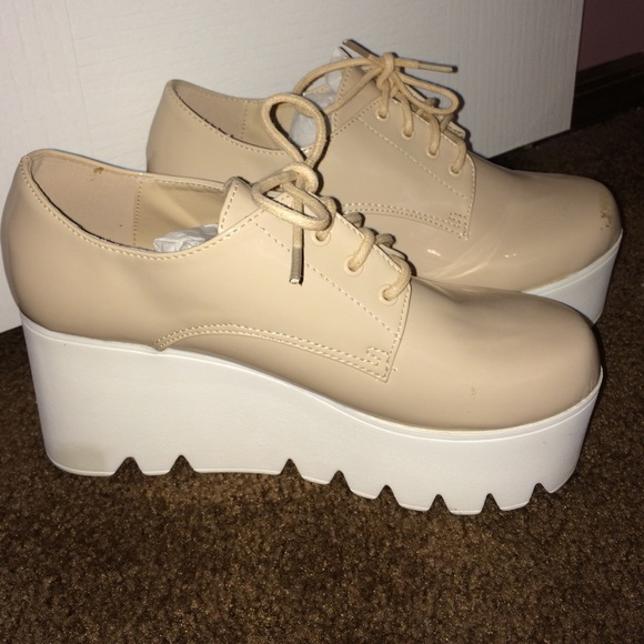 Qupid NWOB Stella McCartney style platform shoes from