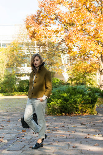 fashion gamble blogger jacket mustard bag sweater pants shoes