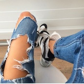 jeans,ripped jeans,ripped,madison beer