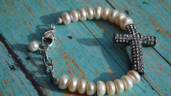 jewels pearls cross bracelet