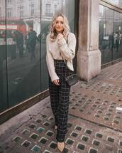 pants,checkered pants,high waisted pants,boots,ankle boots,sweater,beige sweater,oversized sweater,shoulder bag,mini bag