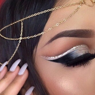 make-up gold gold chain nails acrylic nails stiletto nails fake nails finger nails nails inc cute nails nude nails false nails hair accessory hair/makeup inspo hair wedding hairstyles accessory wedding accessories fashion accessory silver silver glitter eye makeup prom makeup dramatic sexy lashes brows