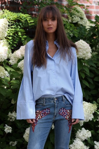 mode d'amour blogger shoes bag bell sleeves button up blue top skinny jeans embroidered embellished h&m stella mccartney