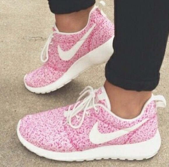 pink shoes nike running shoes