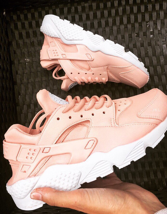 newest collection eb88f e2dd0 Rose Nike Air Huarache, Rosa Nike Huarache, Rose White Sole