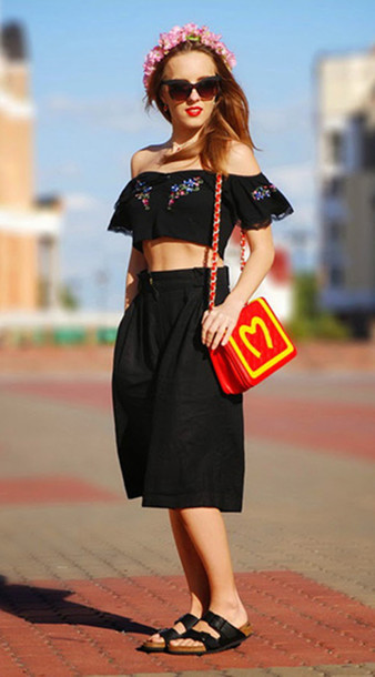 bag clutch shoulder bag handbag red chain bag mcdonalds accessories clothes fashion crop tops top black t-shirt bralette skirt dress shoes flats slippers outfit girl blackfive